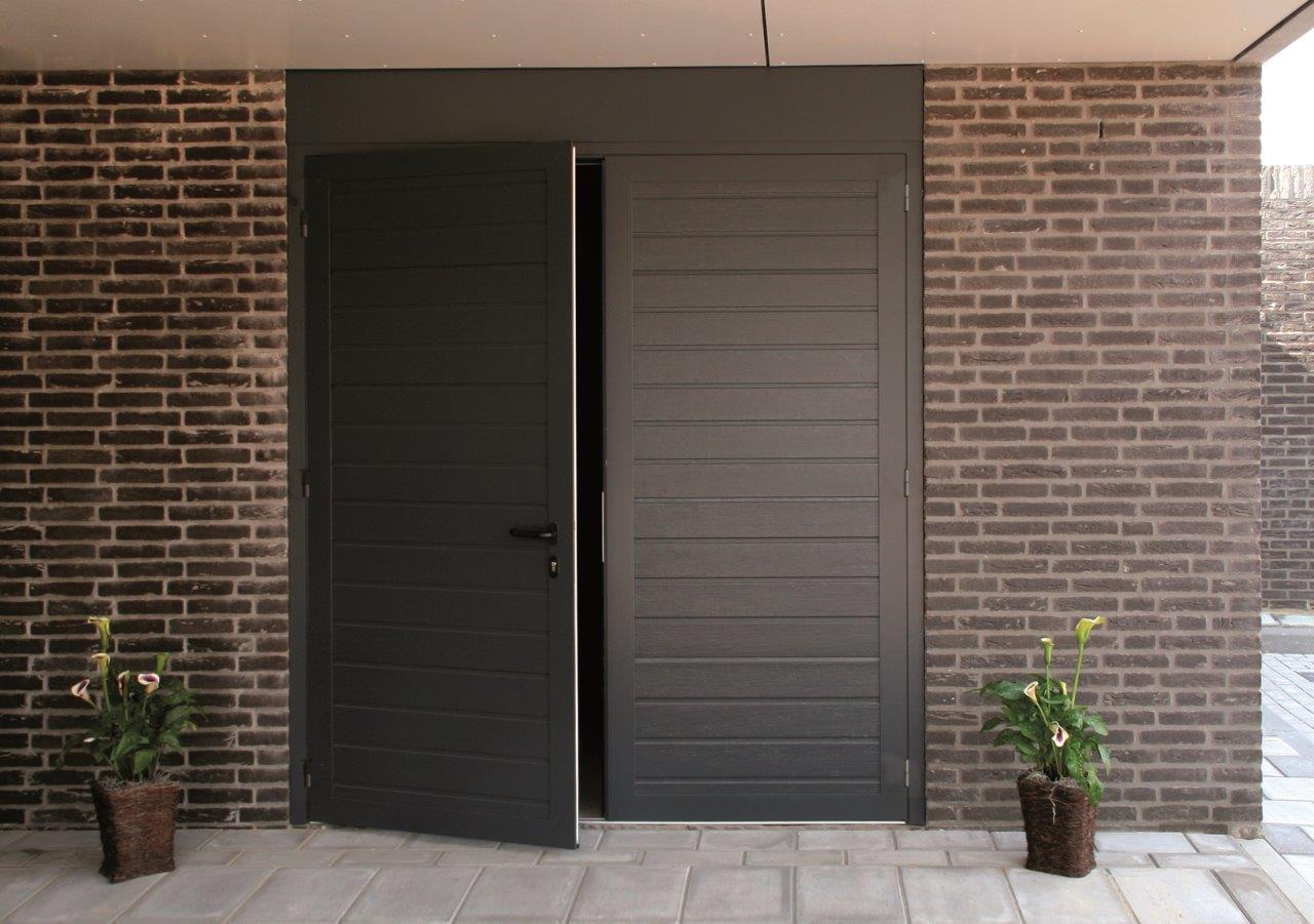 Kunststof Openslaande Deuren : Novoferm duoport garagedeuren voku kunststof kozijnen